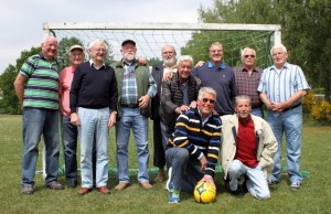 die alten Handballer mit dem falschen Ball
